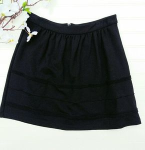J. Crew black size 4 skirt with decorative pleats